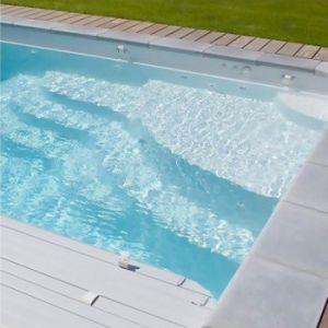 Traversées de paroi et prise de balai pour piscine